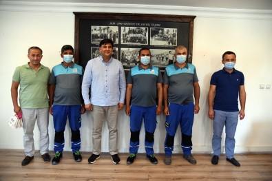 Belediye Baskani Karaca, Gönlü Güzel Temizlik Isçilerini Ödüllendirdi