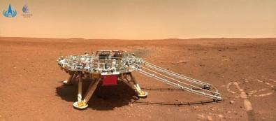 Çin'in Mars Kesif Araci Zhurong, Kizil Gezegen'den Fotograf Gönderdi