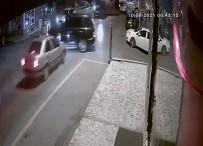 ERDEMIR - Cip Ile Otomobilin Çarpistigi Kaza Kameraya Yansidi