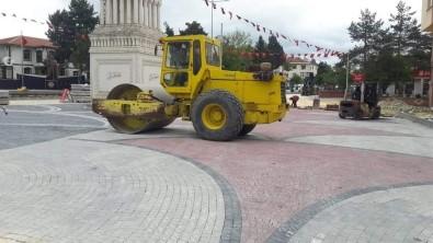 Devrekani'de Ilçe Meydani Yenilendi