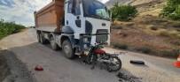 HAFRİYAT KAMYONU - Elazig'da Trafik Kazasi Açiklamasi1 Ölü