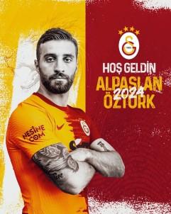 Galatasaray, Alpaslan Öztürk Ile Üç Yillik Sözlesme Imzaladi