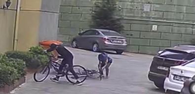 Istanbul'da Ilginç Bisiklet Hirsizligi Açiklamasi Eskisini Birakip Yenisini Götürdü