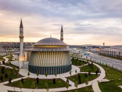 Istanbul Havalimani'ndaki Camiye 'Altin' Sertifika