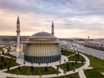 ATMOSFER - Istanbul Havalimani'ndaki Camiye 'Altin' Sertifika