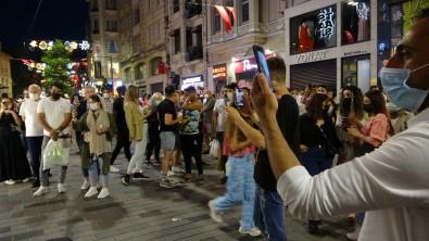 Istiklal Caddesi'nde Maske Ve Mesafe Unutuldu, Halaylar Çekildi