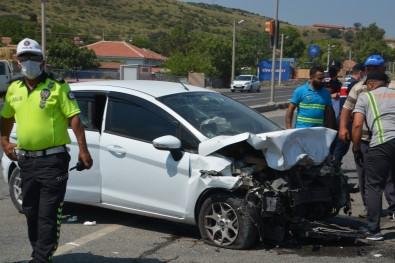 Izmir'de Trafik Kazasi Açiklamasi 9 Yarali