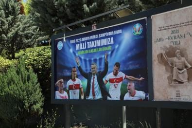 Kayseri Üniversitesi'nden Milli Takimimiza Billboardla Destek