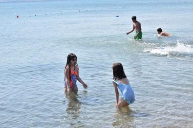 Lapseki Sahillerinde Denize Girmek Yasaklandi