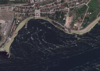 Marmara Denizi'ndeki Müsilaj Uzaydan Görüntülendi