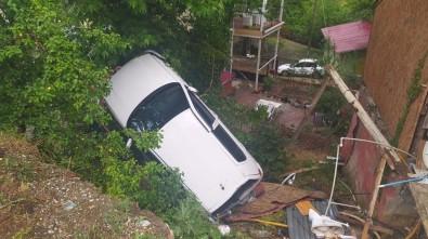 Otomobil Evin Bahçesine Uçtu Açiklamasi 1 Yarali