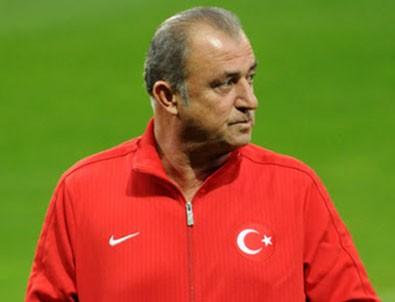 Rasim Ozan Kütahyalı: Gözler Fatih Terim'i arıyor!