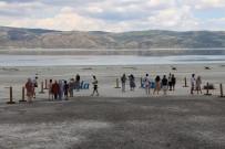 SALDA - Salda Gölü Ziyaretçileri Ile Bulusmaya Basladi