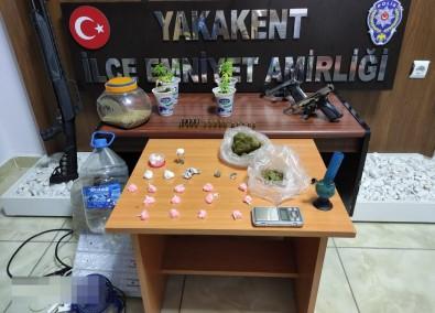 Samsun'da Uyusturucu Ve Silah Ele Geçirildi