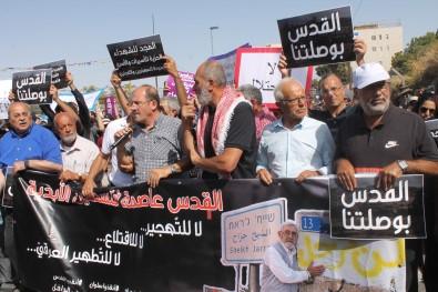Seyh Cerrah'ta Zorla Tahliye Edilmek Istenen Filistinli Ailelere Destek Yürüyüsü