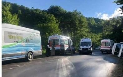 Yaylaya Çikan Tur Minibüsü Devrildi Açiklamasi 15 Yarali