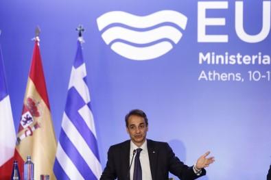 Yunanistan Basbakani Miçotakis Açiklamasi 'Türkiye Ile Pozitif Bir Gündeme Açigiz'