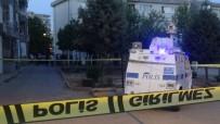 DICLE ÜNIVERSITESI - Diyarbakir'da Sokak Ortasinda Silahli Çatisma Açiklamasi 4 Yarali