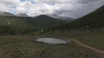 ERCIYES - Büyüksehir 15 Bin Koyunu Erciyes'ten Eriyen Kar Sulariyla Rahatlatti