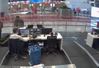 Cezaevinden Izinli Çikti, Sahte Pasaportla Yurt Disina Kaçarken Yakalandi