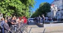 Cumhurbaskani Erdogan'a, Brüksel'de Sevgi Gösterisi