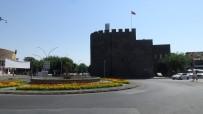 HAYALET - Diyarbakir'da Kisitlama Sessizligi