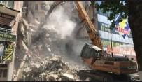 Elazig Depreminde Zarar Gören Bina Yikildi