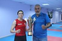 BOKS - Zelal Sengür, Dünya Kick Boks Sampiyonasi'nda Mücadele Edecek