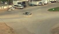 TRAFİK POLİSİ - Drift Yaparken Köpegi Görüp Kontrolden Çikti, Duvara Çarparak Durabildi