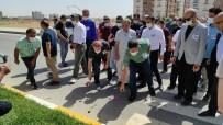ÖLÜMLÜ - Memur-Sen Heyeti Nusaybin'de 2 Ögretmenin Hayatini Kaybettigi Kaza Yerine Karanfil Birakti