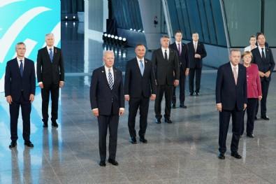 NATO zirvesindeki görüntüler geçmişi hatırlattı!