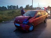 AZERI - Samsun'da Otomobil Tir Ile Çarpisti Açiklamasi 1 Yarali