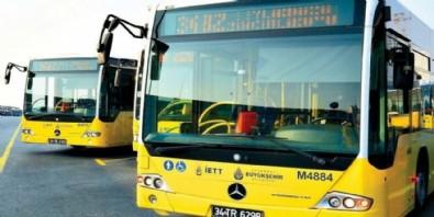 Esenyurt'ta yolcular, kendilerini almayan otobüsün önünü kesti