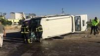 MEHMET POLAT - Minibüs Kaldirima Çapip Devrildi Açiklamasi 5 Yarali