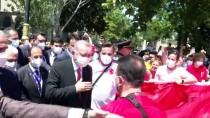 AZERI - Büyükkiliç, Bakü'de Türk Ve Azerbaycan Sehitliklerini Ziyaret Etti