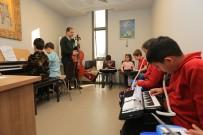 PERKÜSYON - Selçuk'ta Müzik Kurslari Yeniden Basliyor