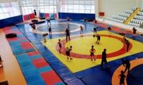YUNUSEMRE - Yunusemreli Güresçiler Milli Takim Formasi Için Mindere Çikacak
