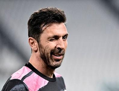 43 yaşındaki İtalya'nın efsane kalecisi Gianluigi Buffon Seri A ekibiyle anlaştı!
