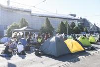 HELSINKI - Finlandiya'da Iklim Protestosu Açiklamasi Baskentin En Islek Caddesi Trafige Kapatildi