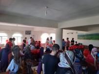 AGİT - Bir Paket Mutluluk Dernegi'nden Dicle'de 100 Aileye Ayakkabi Yardimi