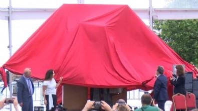 İstanbul'un yeni heykeli törenle açıldı! Hollanda'ya göç eden Türk işçileri simgeliyor
