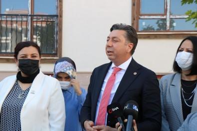 Kendirli'den 'TOKI' Açiklamasi Açiklamasi 'Is Makinalari Çalisirken Hamaset Yapilmasini Kabul Etmiyorum'