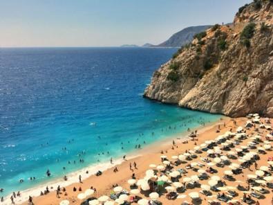 Alaçatı, Bodrum, Göcek, Alanya... 2 kişi 1 hafta bin 250 liraya da 250 bin liraya da tatil yapmak mümkün