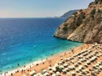ALAÇATı - Alaçatı, Bodrum, Göcek, Alanya... 2 kişi 1 hafta bin 250 liraya da 250 bin liraya da tatil yapmak mümkün