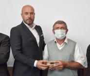 BAL ÜRETİMİ - Tekkeköy'de Aricilara Saf Kafkas Damizlik Ana Ari Dagitimi Gerçeklestirildi