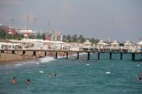 ADRENALIN - Antalya'ya Akan Rus Turistlerin Ilk Adresi Deniz  Oldu