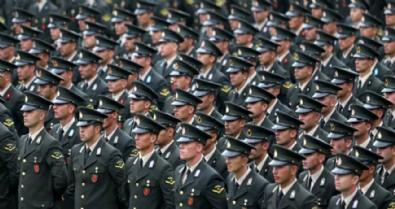 İzmir'de FETÖ operasyonu: 132 şüpheli hakkında gözaltı kararı verildi