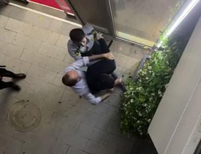 Sitenin güvenlik görevlileri doktoru darbetti!