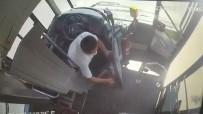 YOLCU OTOBÜSÜ - Yolcu Otobüsünü Saga Çekip Yangina Müdahale Etti