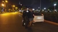 TRAFİK DENETİMİ - Ögretmen Denetimde Durduruldu, Korona'dan Ölen Polise Hakaret Etti